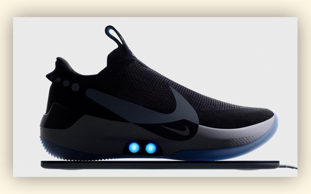 5f0ffecc «Умные» вещи продолжают захватывать мир. А теперь и гардероб. Вчера  компания Nike официально представила новые смарт-кроссовки Nike Adapt BB.