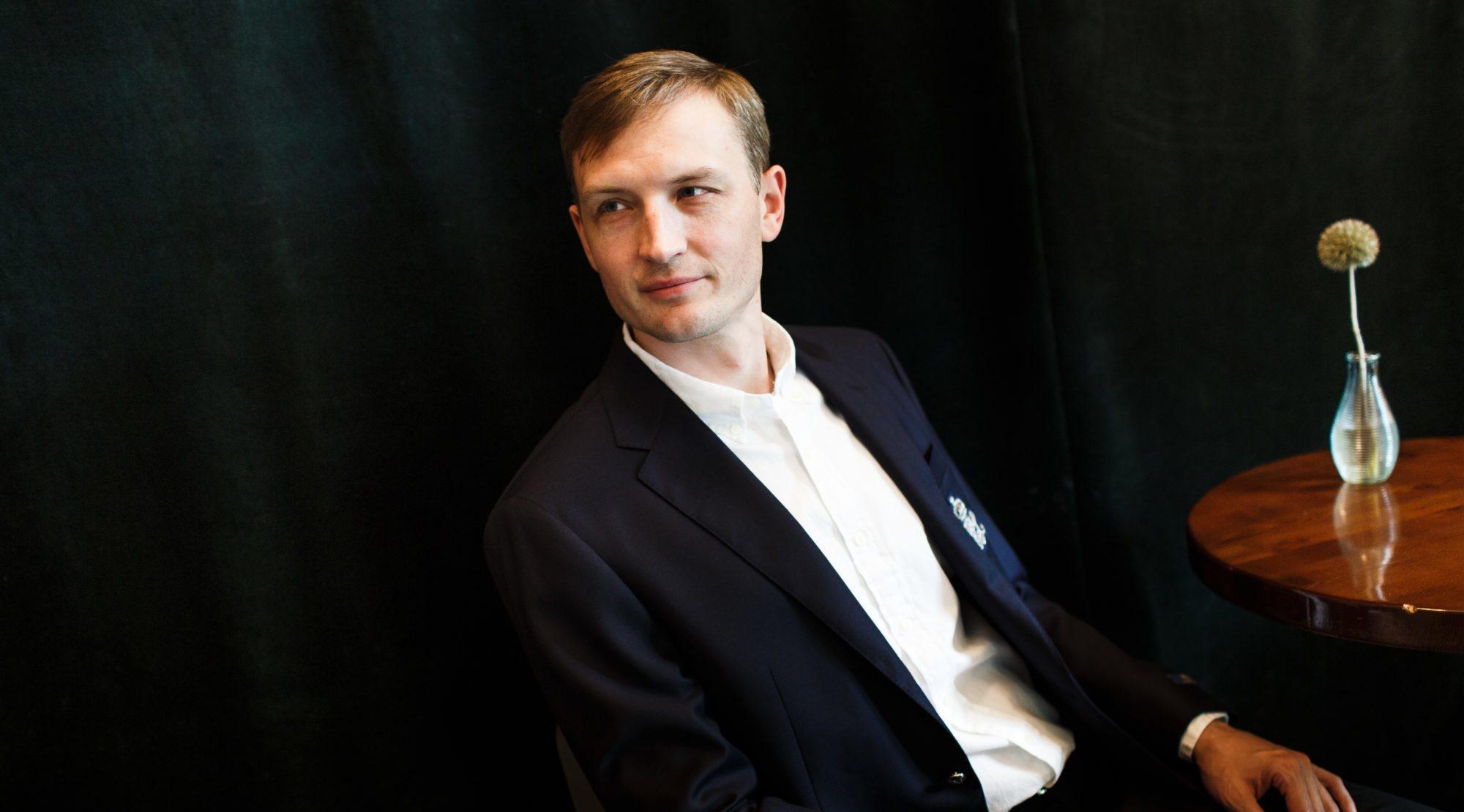 По дороге на работу с Максимом Плахтием, основателем Karabas.com