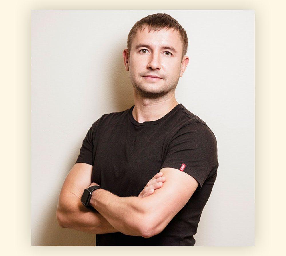 Соучредитель и CEO школы EnglishDom Максим Сундалов