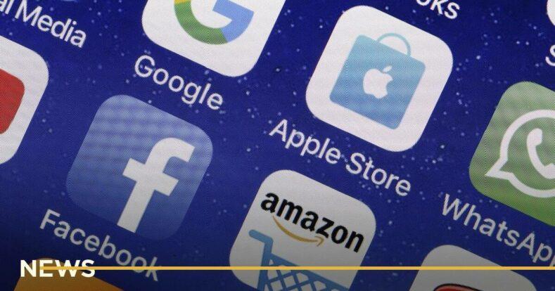Facebook заказала исследование о конкурентных преимуществах приложений Apple и Google
