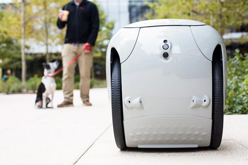 Piaggio представила робота-компаньйона, який возить речі хазяїна