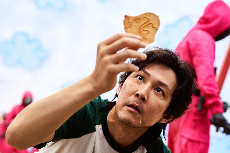 игра в кальмара главный герой актер Ли Джон Дже