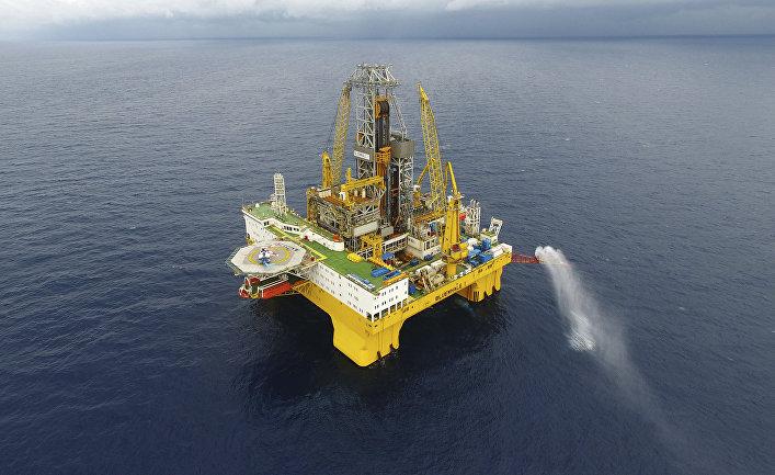 Нефтяная вышка в Саудовской Аравии станет курортом